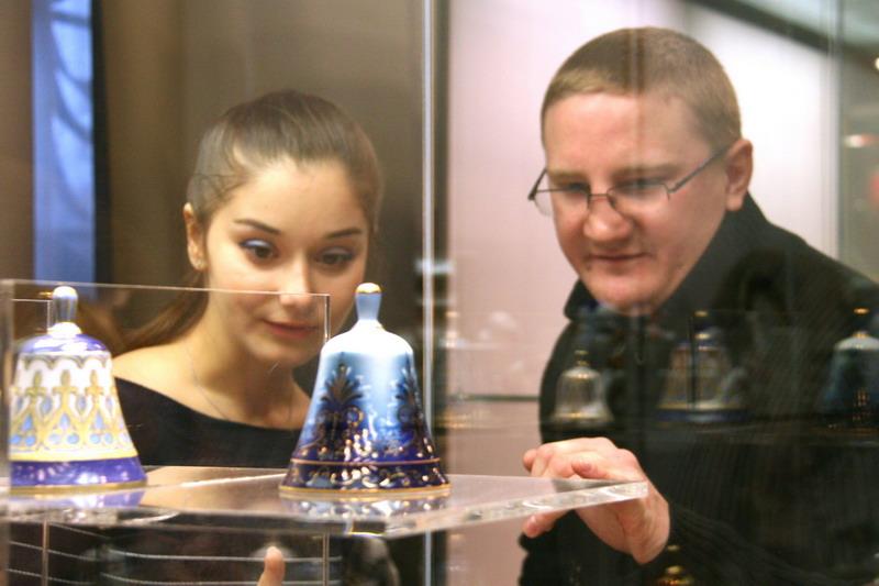 выставка фарфоровых колокольчиков ИФЗ в Москве