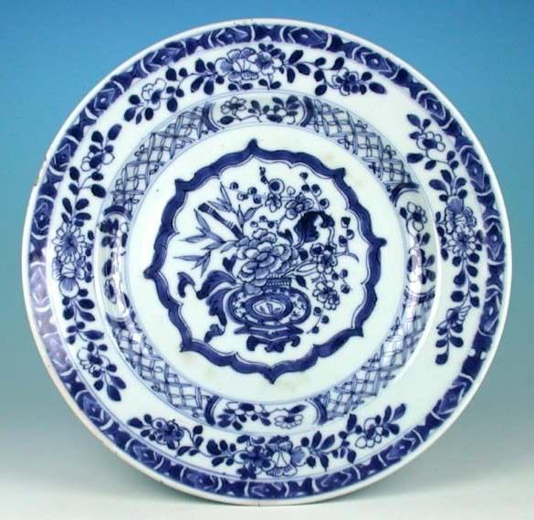 антикварное фарфоровое блюдо династии Цин