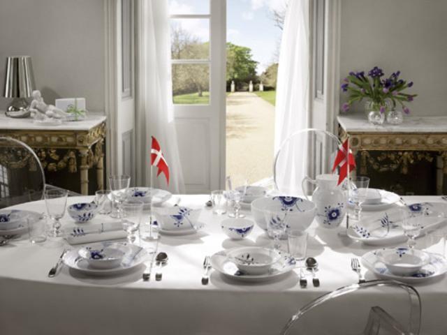 фарфоровая посуда Royal Copenhagen, красивая сервировка стола